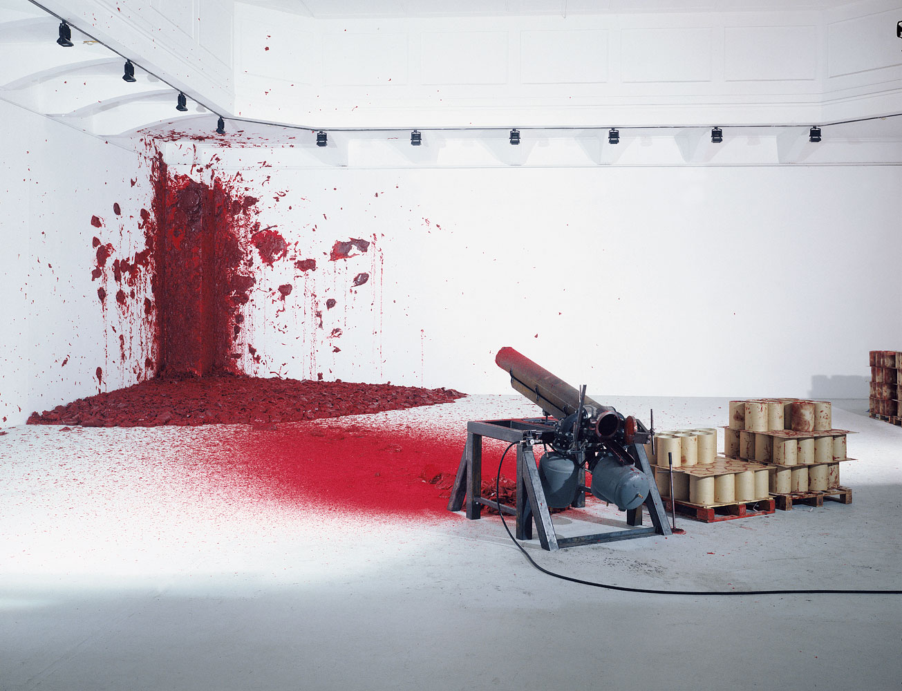 anish-kapoor-shooting-into-the-corner-2008-2009